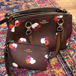 BEAUTIFUL coach bag with matching wristlet wallet